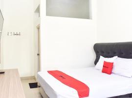RedDoorz near Alun Alun Wonosobo, hotel in Wonosobo