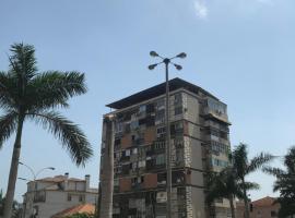 Rua José de Oliveira Barbosa, hotel near Quatro de Fevereiro International Airport - LAD,