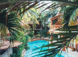 Casa Las Tortugas Petit Beach Hotel & Spa, hotel in Holbox Island