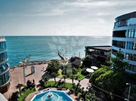 Morskoy Apart-Hotel Sochi, отель в Сочи, рядом находится Летний театр