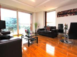Media City LOWRY Apartment 4 Guests 2 Bed, hotel near The Lowry, Manchester