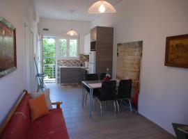 Quality apartment in aegaleo, hotel near TEI Piraeus, Athens