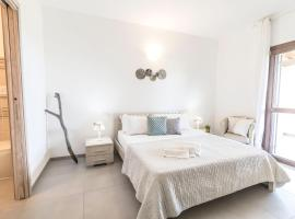 Emerald Valley Apartment, beach hotel in Porto Cervo