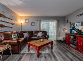 Lake Cove condo - Fun in every direction! Remodeled and ready!, vacation rental in Branson