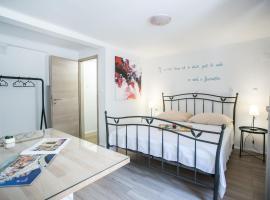 Guest house Mendi, room in Trogir