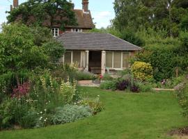 Thatched Cottage B&B, hotel near Penshurst Place & Gardens, Hever