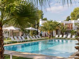 Cala Llenya Resort Ibiza, hotel in Cala Llenya