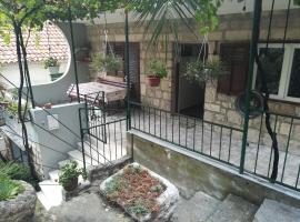 Apartmani Maruncic, room in Omiš