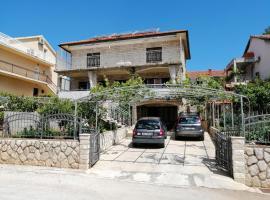 Apartments Emmas studio, apartmán v destinaci Stari Grad