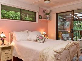Manitzky Magic -B&B Home with Heart, hotel in Tamborine Mountain