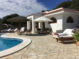 Villa Can Rafalet, hotel a Cala Vadella