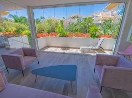 Luxury apartment at Lomas del Rey, Puente Romano, luxury hotel in Marbella