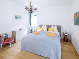Ferienwohnung Narzisse - City Appartement im Kurpark Bad Aussee, hotel in Bad Aussee