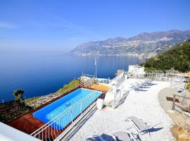 Maiori Villa Sleeps 8 Pool Air Con WiFi, hotel with pools in Maiori