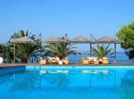 Kamari Beach Hotel: Potos'ta bir otel