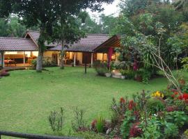 Studio Rumah Pojok, hotel with pools in Yogyakarta