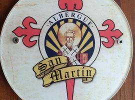 Albergue San Martin, hotel in Tui