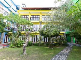 RedDoorz near Level 21 Mall Denpasar, отель в Денпасаре