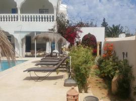 Menzel Churasco Djerba, villa in Aghīr