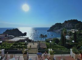 Hotel Baia Azzurra, hotel Taorminában