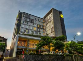 Yello Hotel Jemursari, hotel near Juanda International Airport - SUB, Surabaya