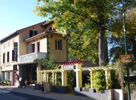 Hôtel Restaurant les Platanes、Montfauconのホテル