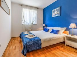 Olga's Place-new apartment 200 mt from the Sea, hotel near Lungomare, Pula