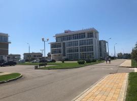 Апартаменты на первой береговой -1 этаж, hotel with jacuzzis in Adler