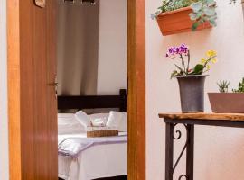 Suítes para fins de semana, hotel near Casa da Xilogravura, Campos do Jordão