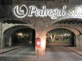 Pedregal Manor with 45 Private Rooms, hotel en Cabo San Lucas