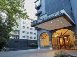 Hotel Torremayor Lyon, hotel near Costanera Center, Santiago