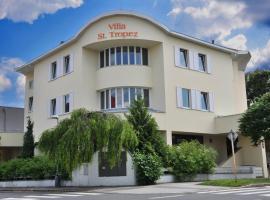 Villa St. Tropez, hotel dicht bij: Luchthaven Václav Havel Praag - PRG, Praag
