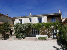 Le Domaine de Patris, hotel in Pernes-les-Fontaines