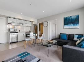 Two Bedroom Apartment - Pool, Gym & Free Parking!, hotel in Auckland