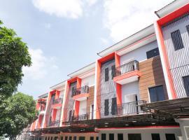 RedDoorz Plus @ Tlogomas, hotel near Tlogomas Recreation Park, Malang
