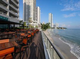 Hompton Hotel by the Beach, hotel near Straits Quay, George Town