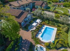 Green Hill Property, villa in Besozzo