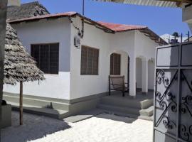 Hakuna Matata Guest House, homestay in Paje