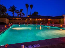 Carlton Oaks Lodge, Ascend Hotel Collection, hotel near Grossmont College, Santee