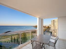 Blue C Coolangatta, hotel in Gold Coast