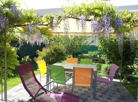 Ferienwohnung Pracht, hôtel à Rust près de: Europa-Park