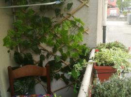 Guest House Josephine, pet-friendly hotel in Salerno