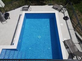 Villa Mambo, holiday home in Mlini