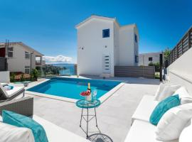 Villa Miholina, hotel with jacuzzis in Trogir