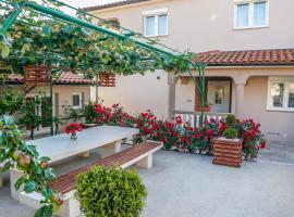 Apartment Sunčica, hotel near Pula Airport - PUY,