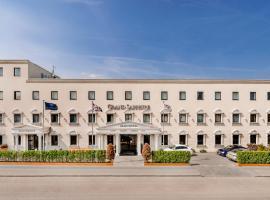 Grand Sapphire Hotel & Banqueting, Hotel in Croydon