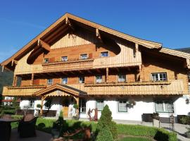 Haslgut, hotel in Fuschl am See