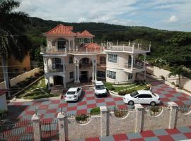 Pinnacle View Estate Micaila Villa, villa in Montego Bay