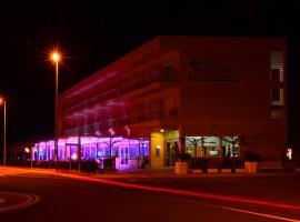 Hotel Mediterrani Blau, hotel en Sant Jaume d'Enveja