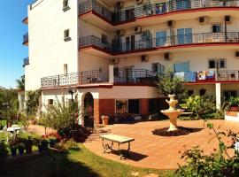Hotel Carmen Teresa, hotel in Torremolinos